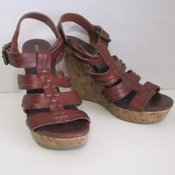 311e997bb43d Mossimo Brown Cork Platform Sandals Size 8. M 5a513d2c077b97254a020ddb